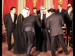 Obama bowing to Saudi