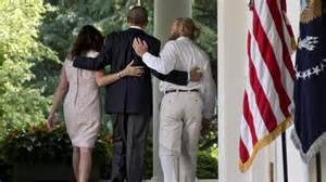 Obama with Bowe Father in Rose Garden